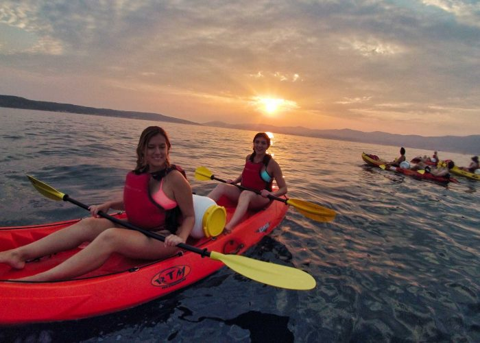 Sunset Kayaking Tour in SPlit Two girls in Kayak